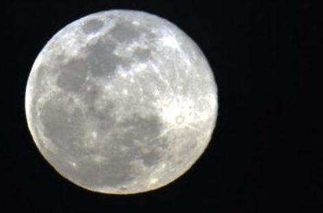 Superlua poderá ser vista de graça no Planetário