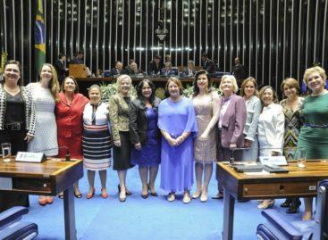 Lugar de mulher também é na política