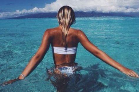 Água do mar traz benefícios para a saúde da pele; saiba o motivo