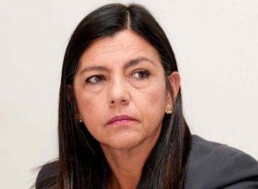 Aposentadoria vitalícia da filha de Sarney soma mais de R$ 45 mil por mês, com direito a cinco funcionários e um carro