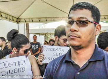 Os estudantes da Ufra fazem manifestação pacífica na Corrida de São Sebastião