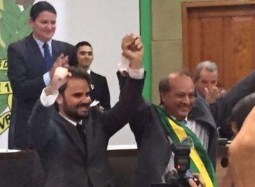 Após renunciar, prefeito eleito de Marabá volta atrás e toma posse