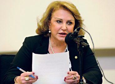 Elcione assume comissão de defesa da mulher