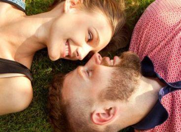 Casar com o melhor amigo traz mais felicidade e ainda faz bem para a saúde