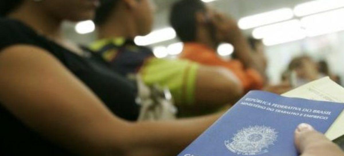 Desemprego afeta mais mulheres do que homens no Brasil, segundo o IBGE