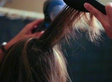 Conheça o aparelho que promete secar o cabelo até 8x mais rápido
