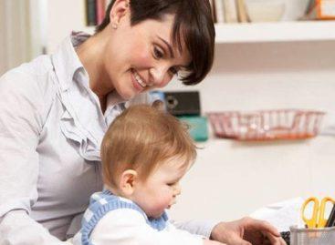 Como a dupla jornada afeta a vida das mães