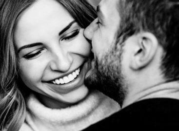 """Benching: a """"tendência"""" em relações que parece legal, mas te destrói. Você está nela?"""