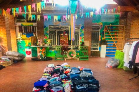 Instituto Amigos que Brilham realiza bazar junino