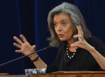 Cármen Lúcia diz que machismo sustenta violência contra mulher