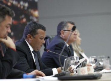 Câmara aprova emenda supressiva em projeto que concede título definitivo de terrenos urbanos