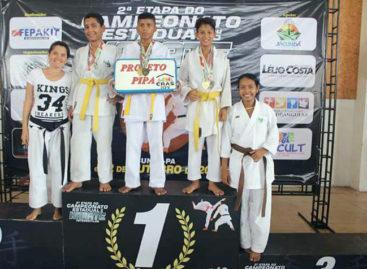 Alunos do projeto PIPA se destacam em campeonato de karatê