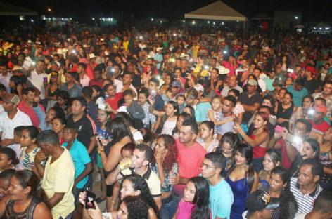 Vila Paulo Fonteles comemora 25 anos com cavalgada e shows