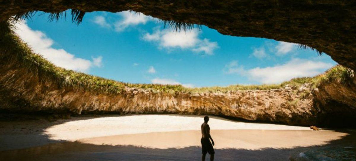 Praia do Amor: escondida por rochas, ela foi eleita um das mais belas do mundo