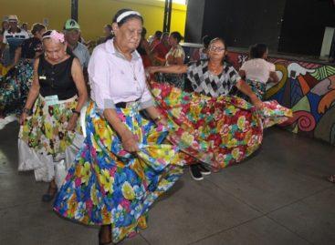 Idosos atendidos pela rede de Assistência Social comemoram Dia Nacional do Idoso