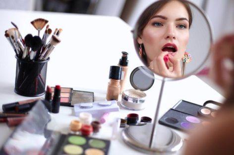 Como arrasar na maquiagem das festas de fim de ano? Maquiador dá dicas; confira