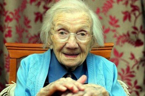 Mulher de 109 anos afirma que o segredo para viver mais é evitar os homens