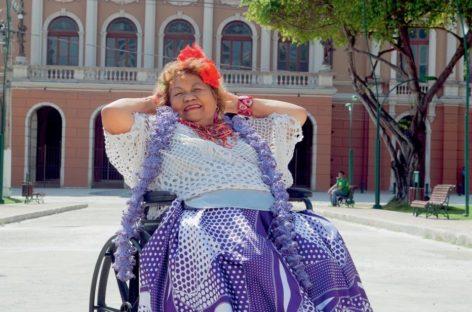 "Dona Onete: ""Fiquei famosa depois dos 70 anos"""