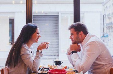 Dividir comida com parceiro indica bom relacionamento, diz estudo