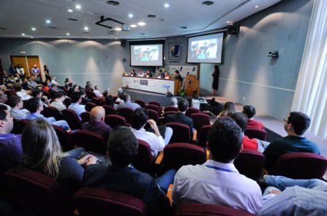 Servidores legislativos participam de encontro de tecnologia e transparência em Brasília