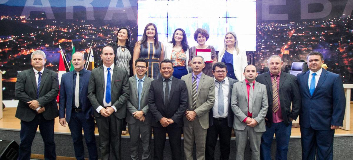 Câmara Municipal homenageia juíza Eline Salgado com título de Cidadã Honorária