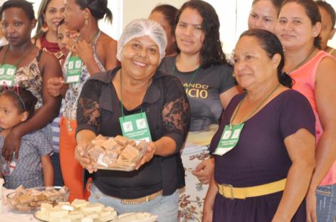 Moradores do Alto Bonito recebem qualificação profissional