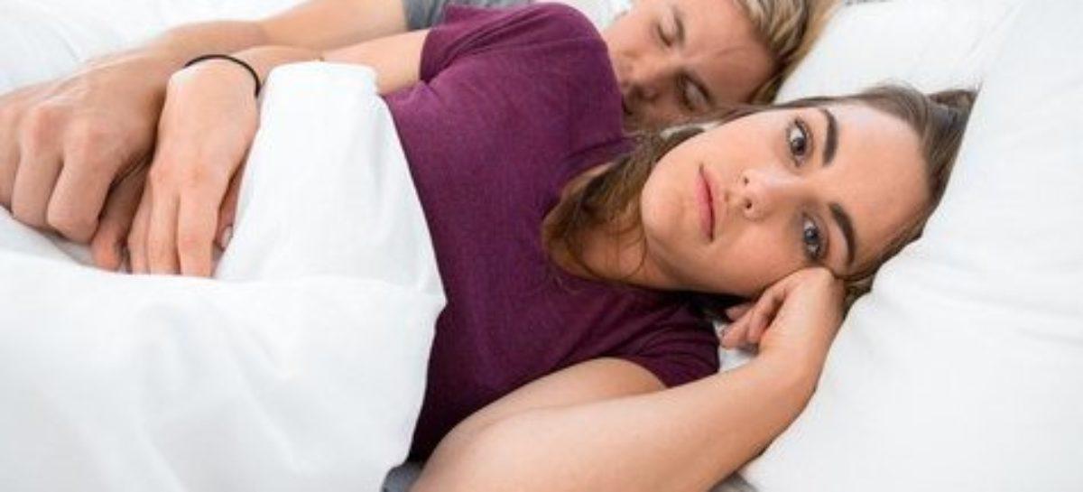 Dilema de muitas mães: quando está cansada, é melhor dormir ou fazer sexo?