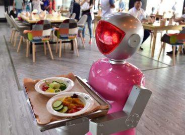 Mulheres sofrem mais risco de perder um trabalho para robôs