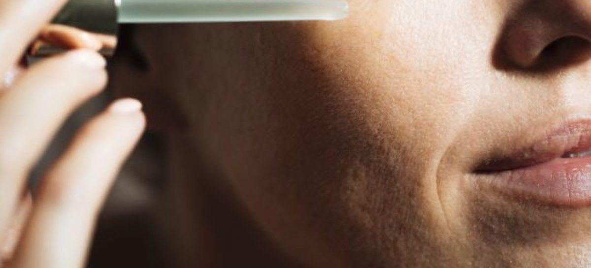 Óleo de rícino para pele combate acne e previne rugas: como usar e receitas caseiras