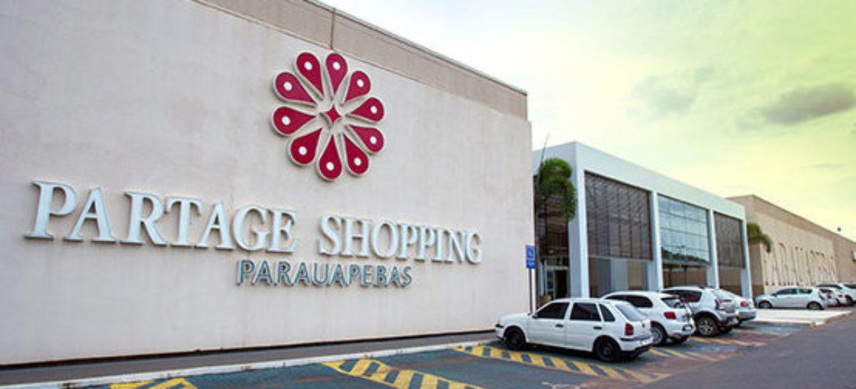 Campanha educativa para o uso de vagas especiais é realizada em shopping de Parauapebas